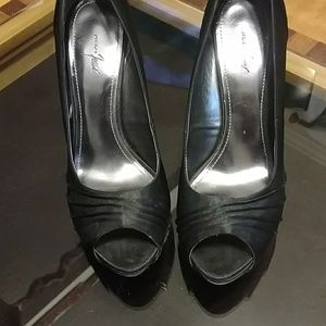 Jacqueline Ferrar black satin platform heels